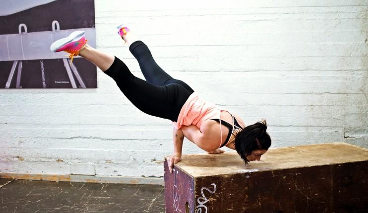 On helppoa temppuilla ja treenata, kun vatsa ei ole kipeä ja turvonnut.