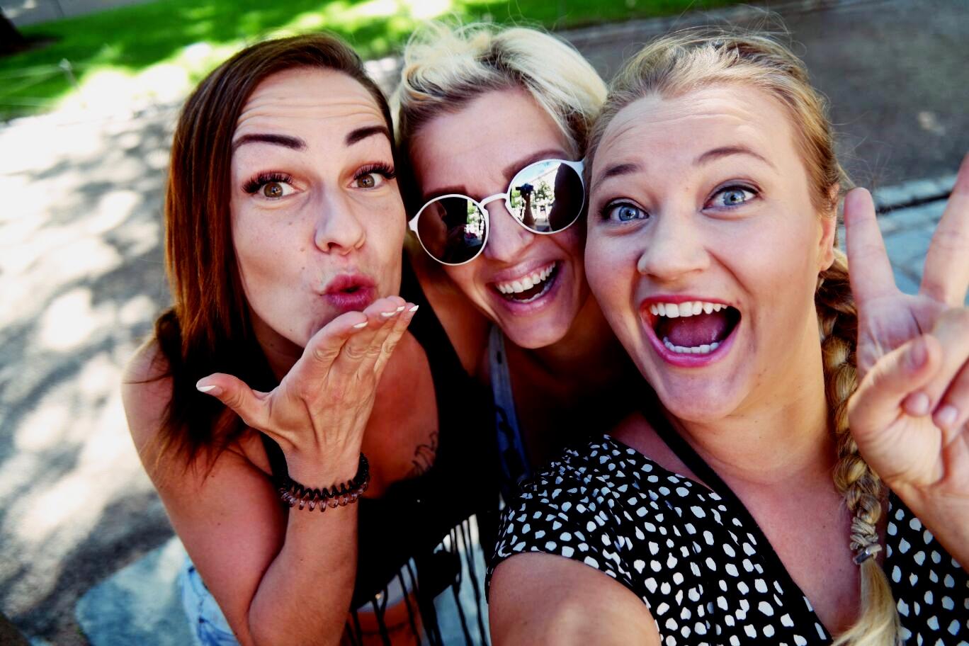 Sara, Monna, Anna