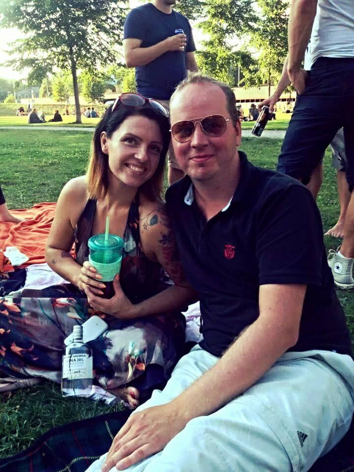 Veljeni kanssa Dallape-puistossa piknikillä.. ;)