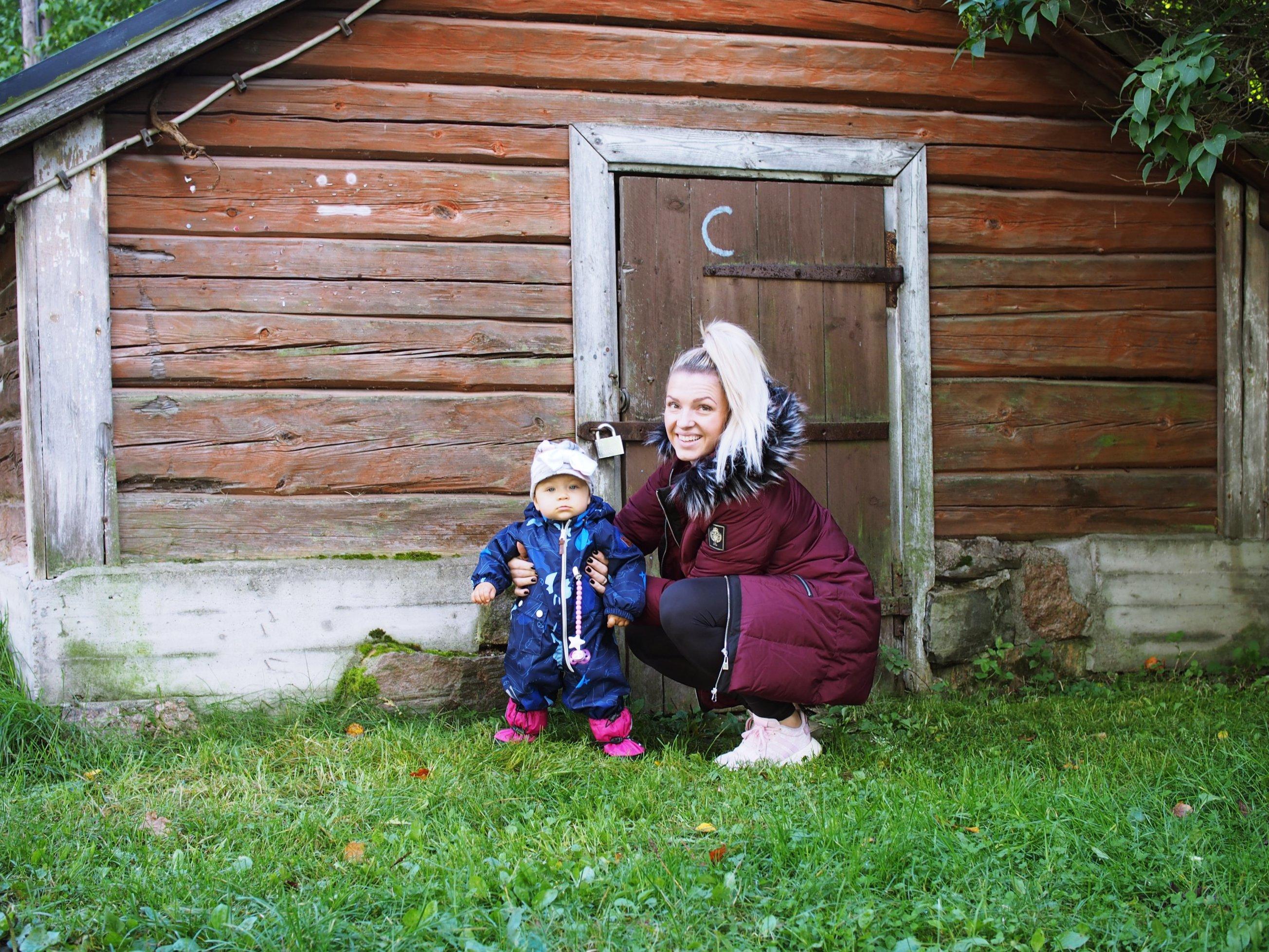 Syksy/talvipukeutumista äidille ja tyttärelle