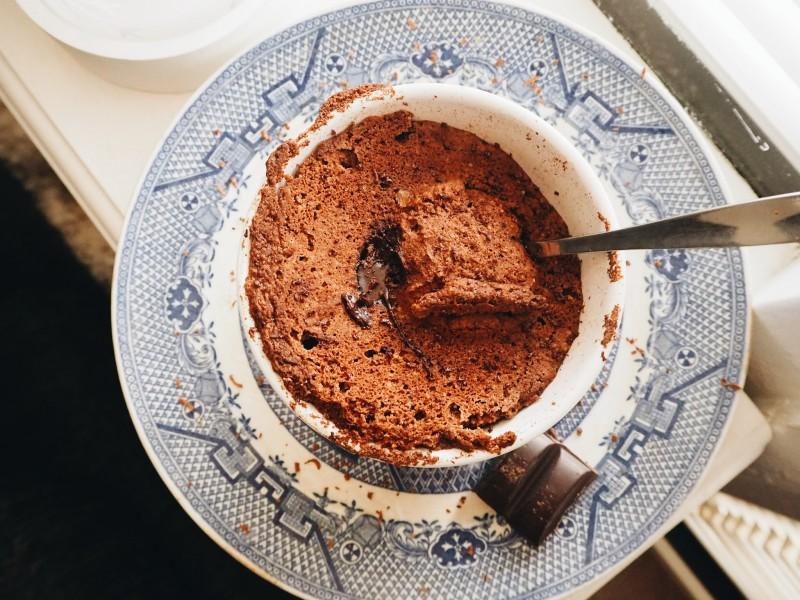 Suklaakakku mukissa