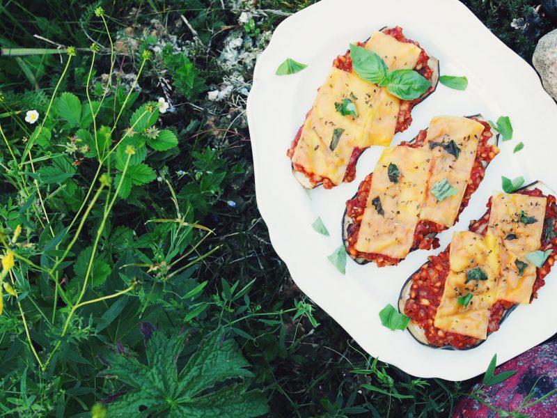 Vegaaniset munakoiso-härkäpapupizzat