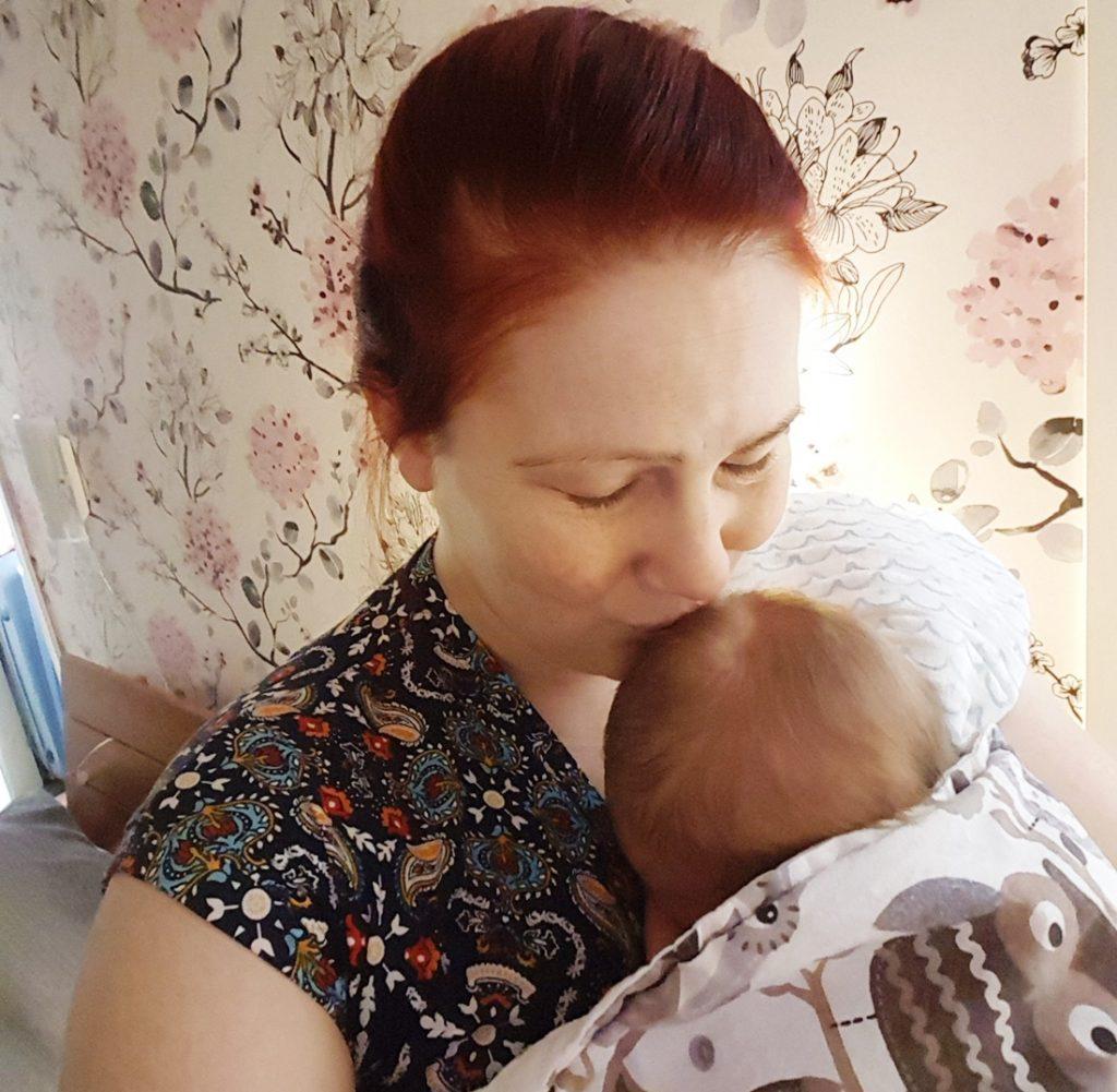Toinen vauvaviikko - kotoilu arkea