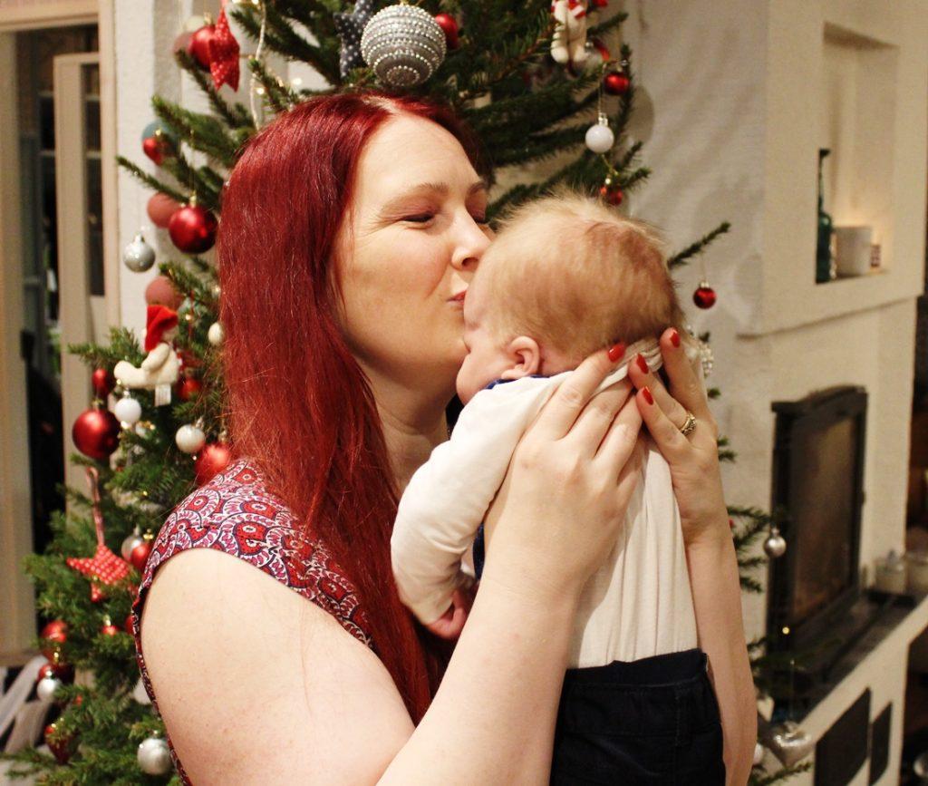 Kiintymysvanhemmuus - Olenko kiinni vauvassani?