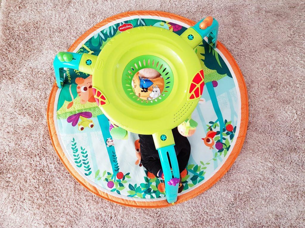Vauvan värikkäät lelut, sisältäen alekoodin