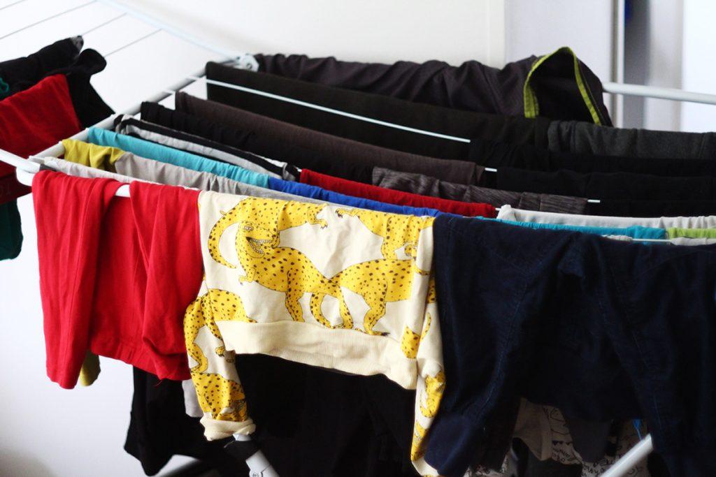 Se,että antaa pyykkien olla hetken pidempään telineellä