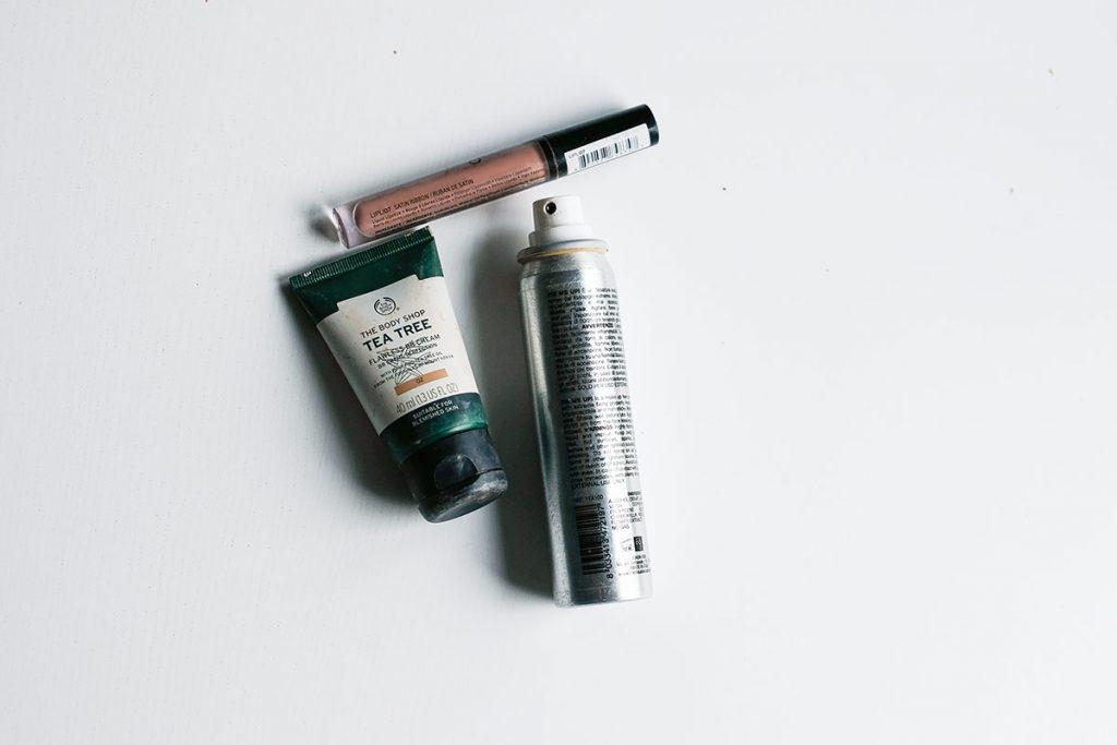 Surkeat kosmetiikkatuotteet x 3