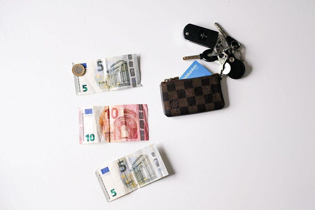 Rahapäiväkirja; minkä verran rahaa kului viikossa?
