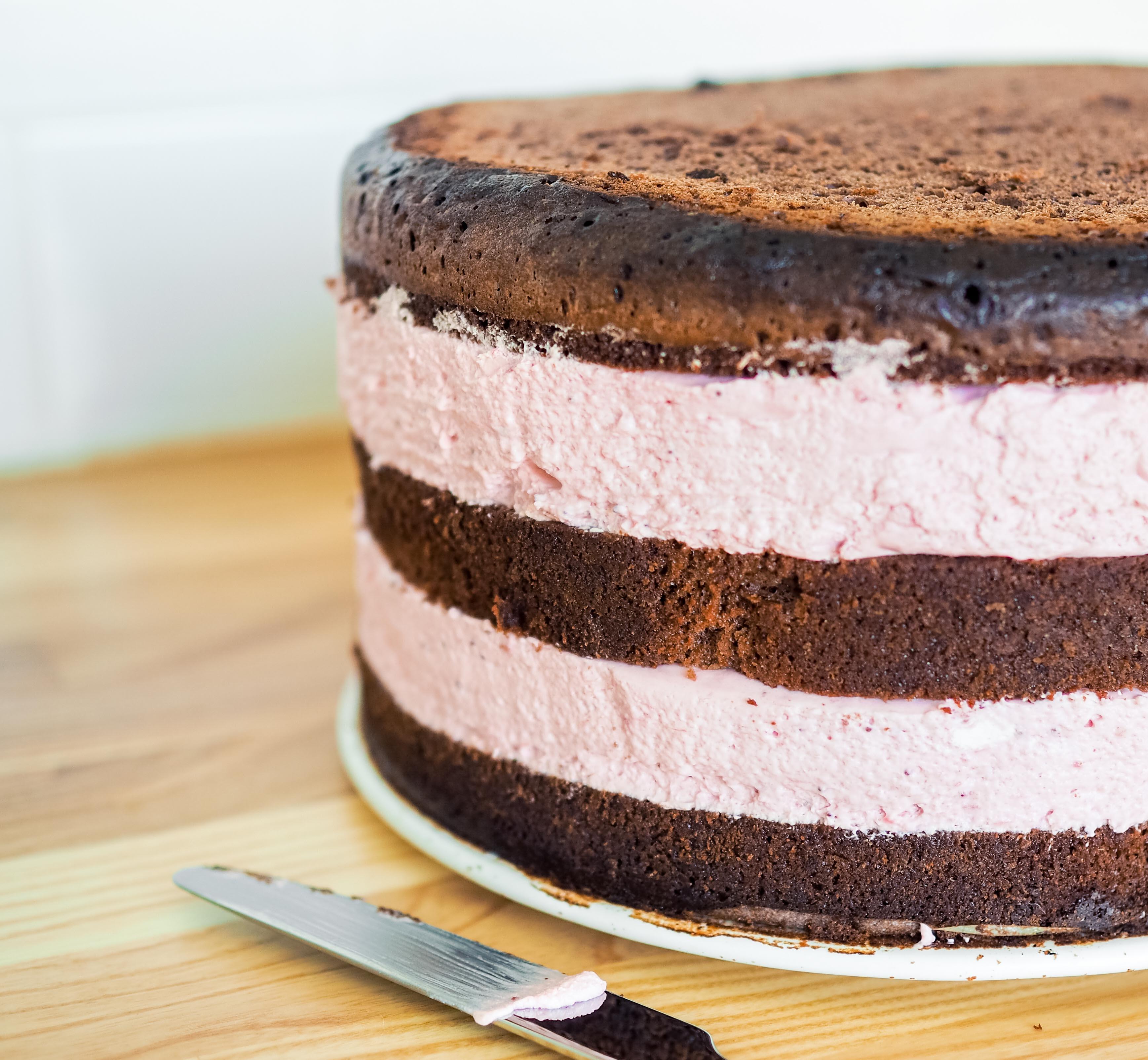 suklaa-mansikka naked cake