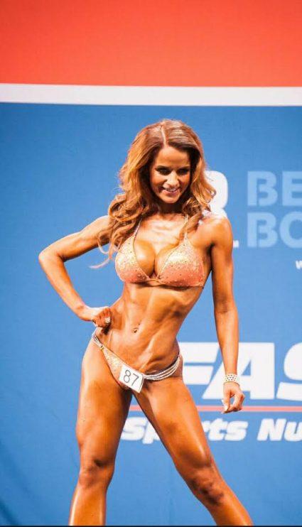 Karsintojen jälkeen oli n. kuukausi aikaa karistaa viimeinen rasva ja nesteet. Fitness Exposta tulikin SM pronssi ja Nicolesta 6.sija