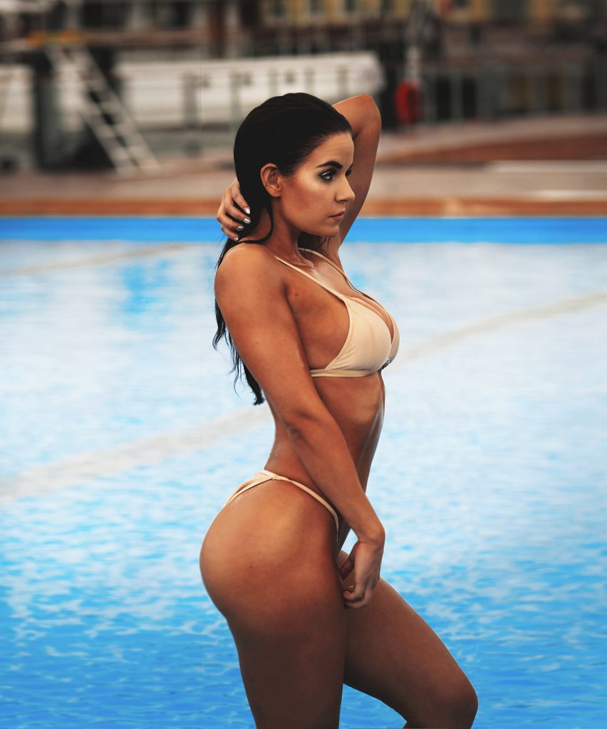 Kuinka treenata bikinivartalo?