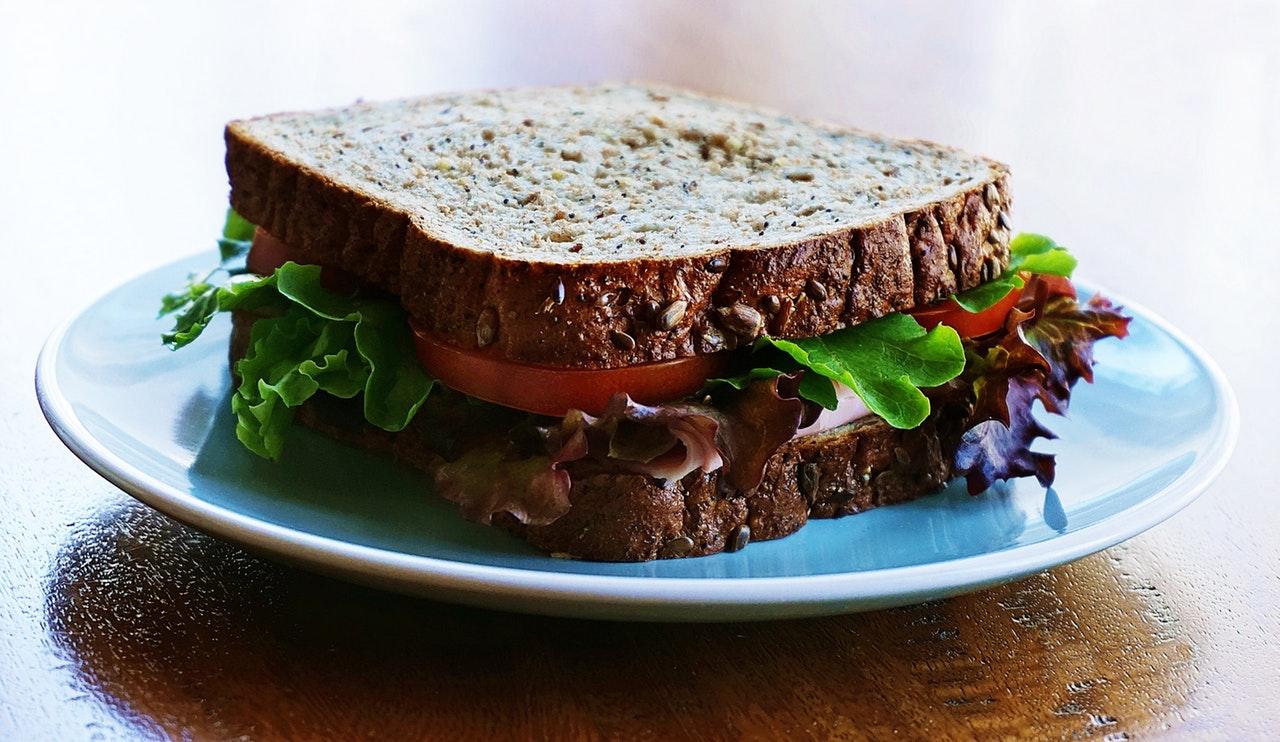 Miten-Pysya-kunnossa-ymparivuoden-voi-leipa
