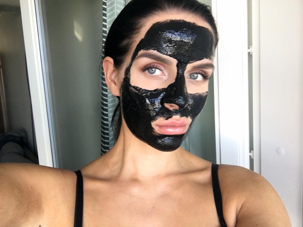 May-Beauty-facemask-kasvoilla-naamio