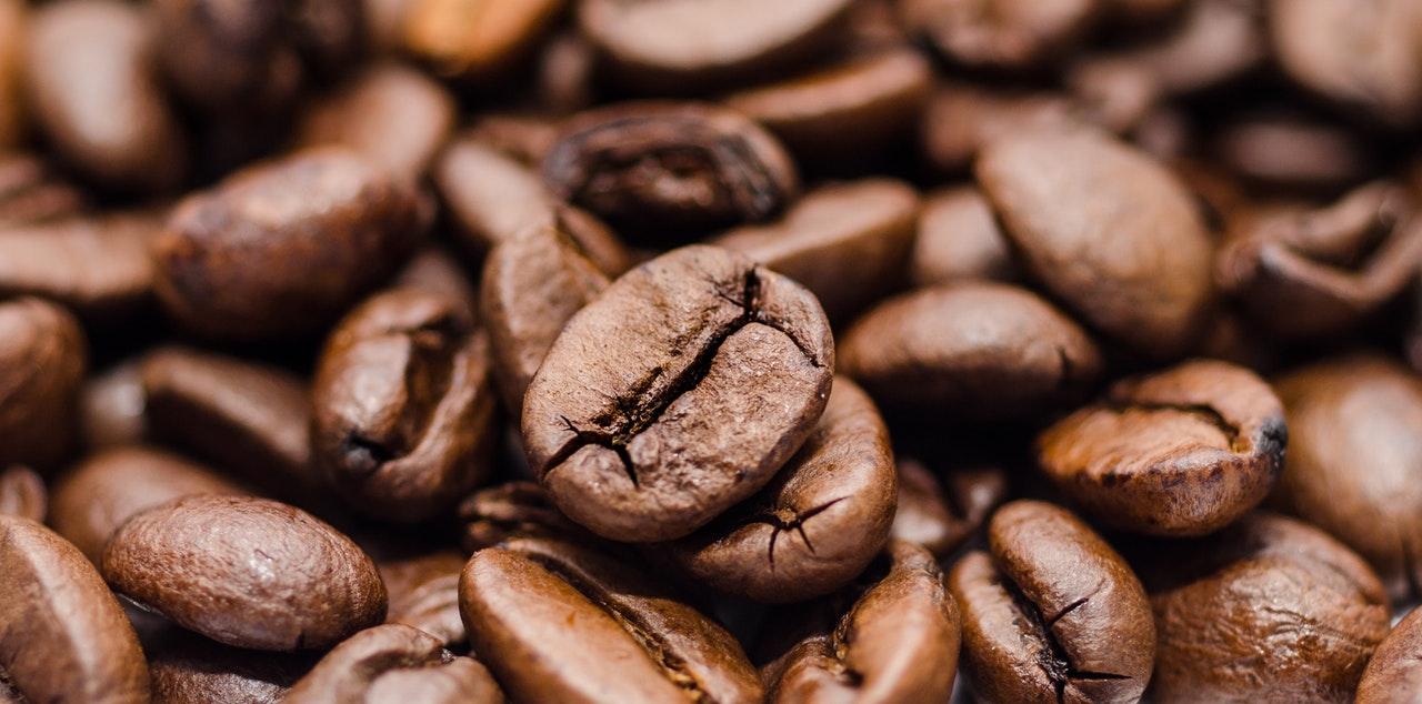 Kahvi-Ahdistus-haittavaikutukset-kahvin-juonti