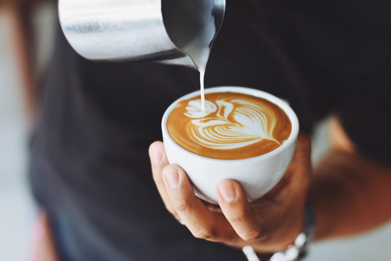 Kahvi-Haittavaikutukset-kahvinn-juonti-ahdistus