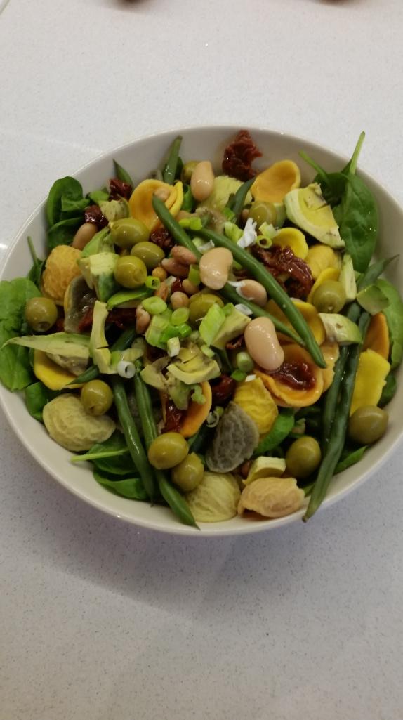 Salaatti viikon jokaiselle päivälle 4. torstai