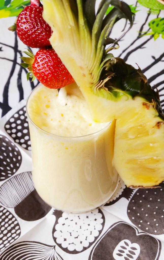 Ananas protein shake -välipalajuoma