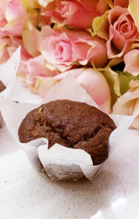Suklaamuffinssit maapähkinävoisydämellä (gluteeniton, maidoton, sokeriton, vegaani)