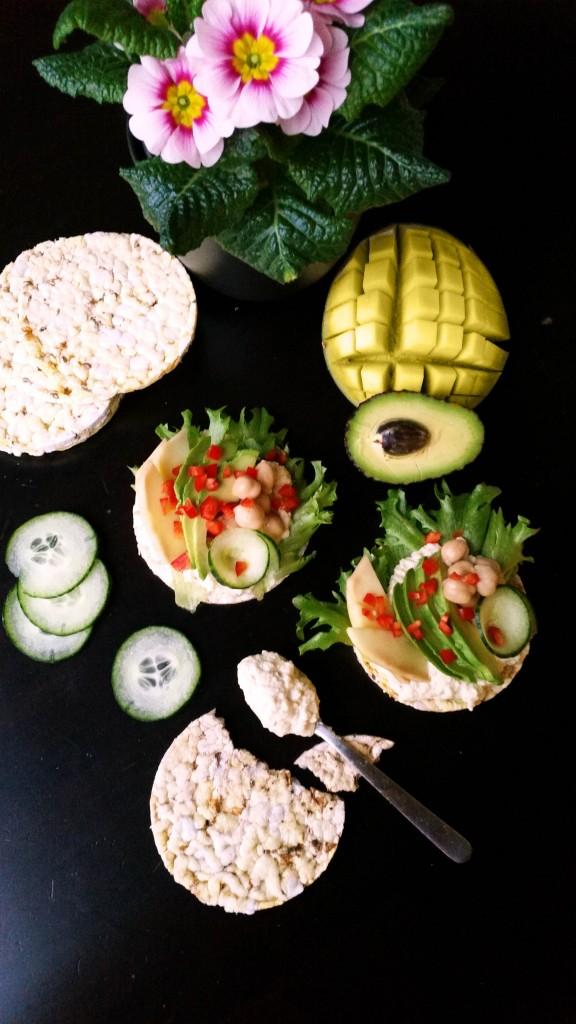 Riisikakut currytahnalla ja mangolla (maidoton, gluteeniton, vegaani) / Äänestä ja voita
