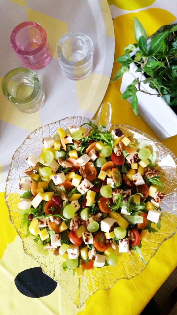 Juhlava salaatti viikonloppuun