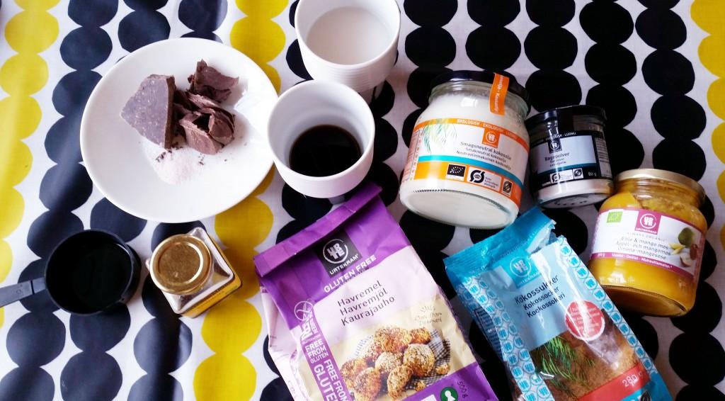 Banoffee suklaakakkupohjalla (vegaani, gluteeniton, sokeriton!)