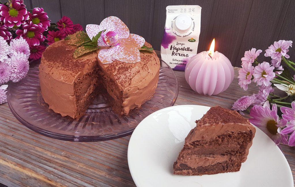 Lempi suklaakakku (gluteeniton, ilman valkoista sokeria)