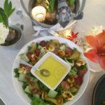 Juhlava salaatti joulupöytään