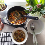 Maukas jauheliha-kasviskeitto lounaaksi