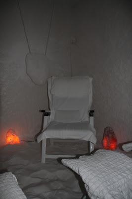 Hengitysteiden ja ihon hoitoa, sekä rentoutumista suolahuoneessa