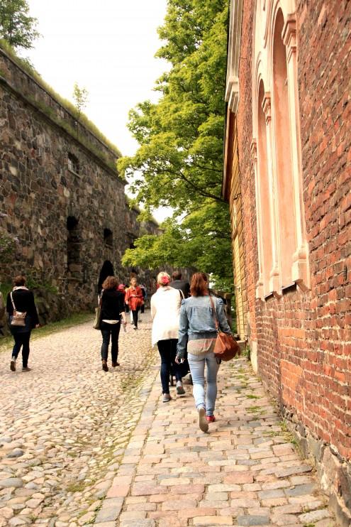 Kävelyretkellä Suomenlinnassa.