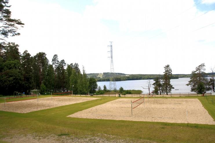 Testissä Jyväskylän liikuntapuistot osa 3: telinejumppaa ja frisbeegolfia Tuomiojärvellä