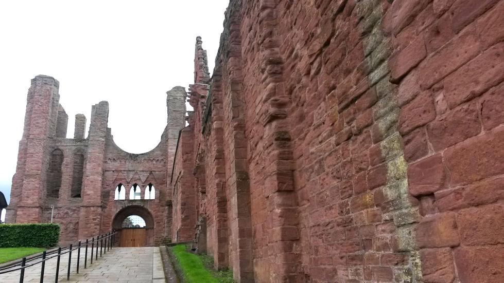 Arbroathin luostarikirkon rauniot