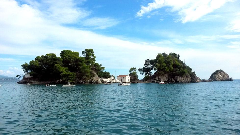 Aivan Pargan edustalla sijaitsee pieni Panagian saari.