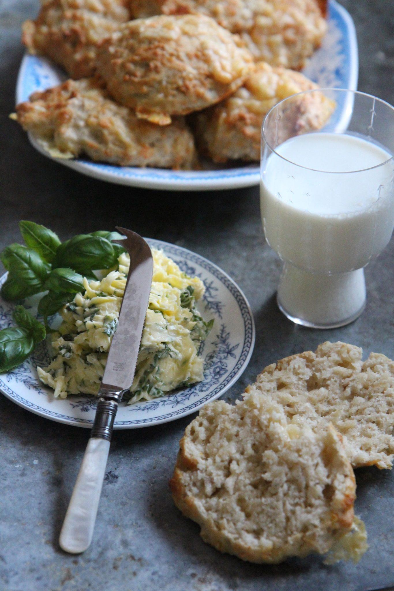 Kolmen juuston pikasämpylät