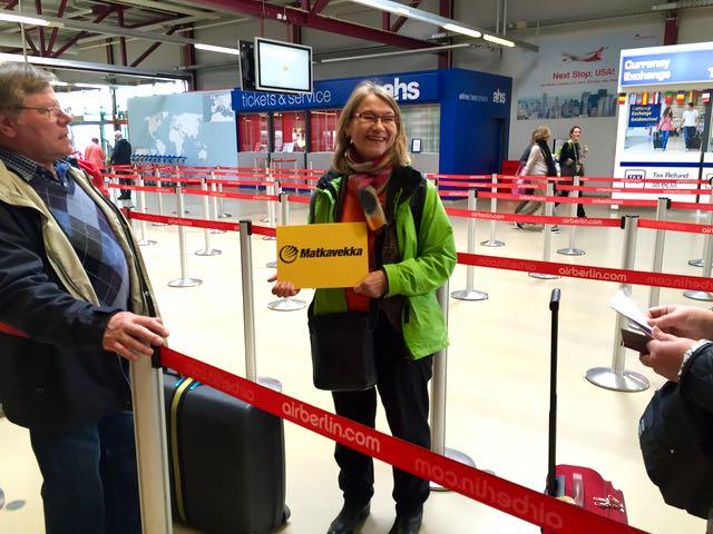 Matkavekan opas Marja-Terttu Ruokamo oli meitä vastassa lentokentällä