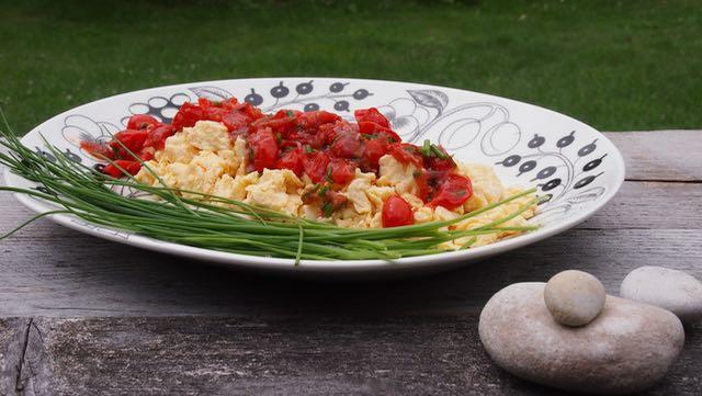 munakokkeli ja tomaattivinaigrette