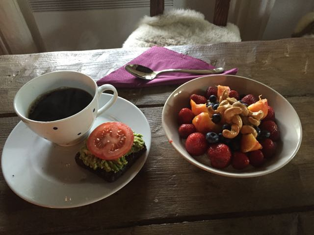 Sunnuntaina aamiainen