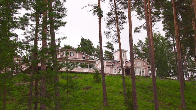 Hotelli Punkaharju järveltä päin