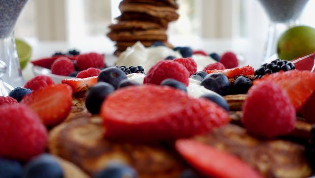 Terveellinen ja proteiinipitoinen välipala tai aamiainen voi olla myös superherkkua