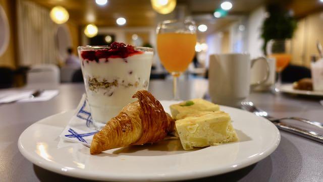 Mini croissantit on suussa sulavia ja onneksi pieniä. Voi syödä yhden tai monta!