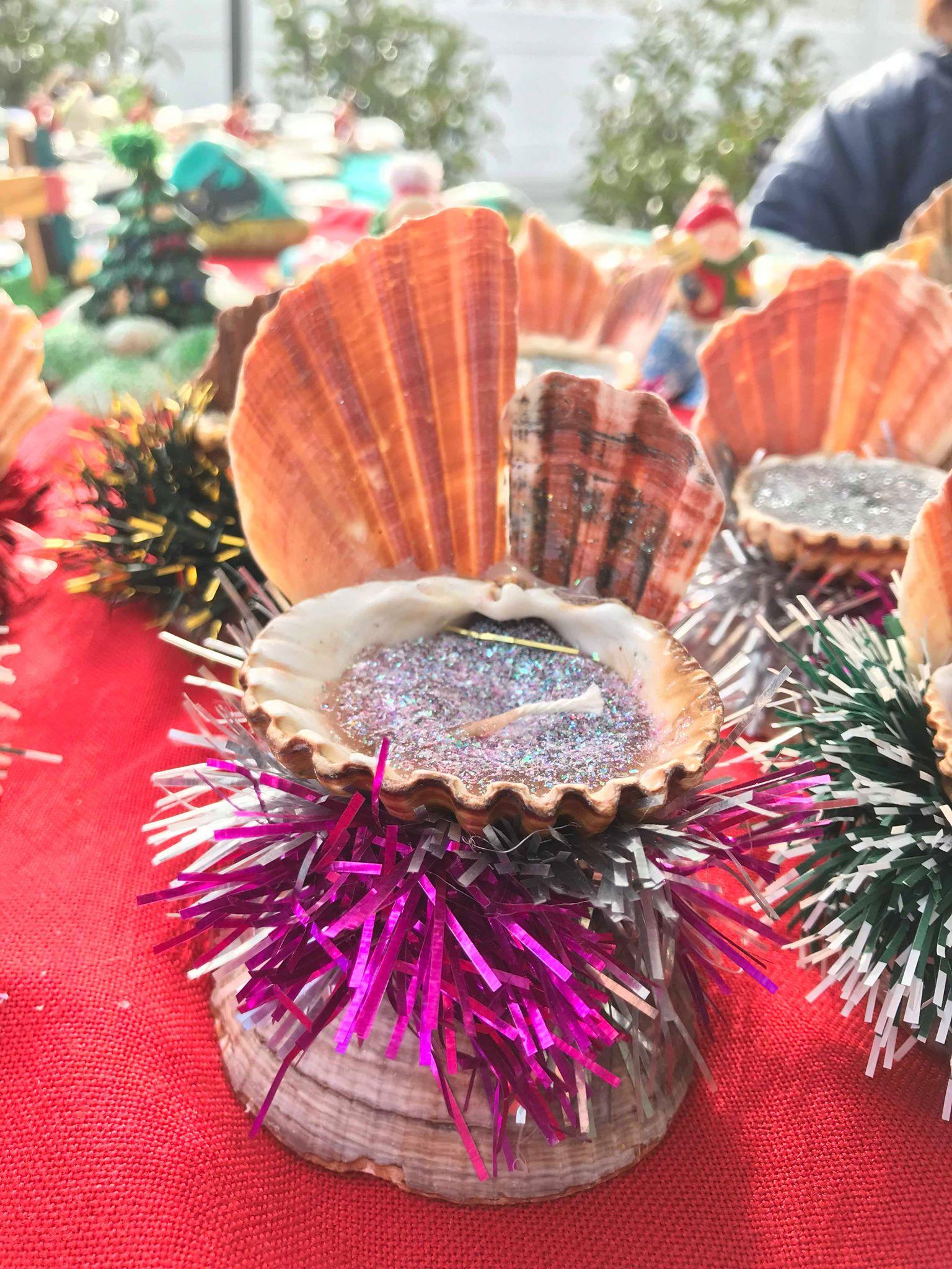Jouluntorin antia - kynttilä simpukassa.