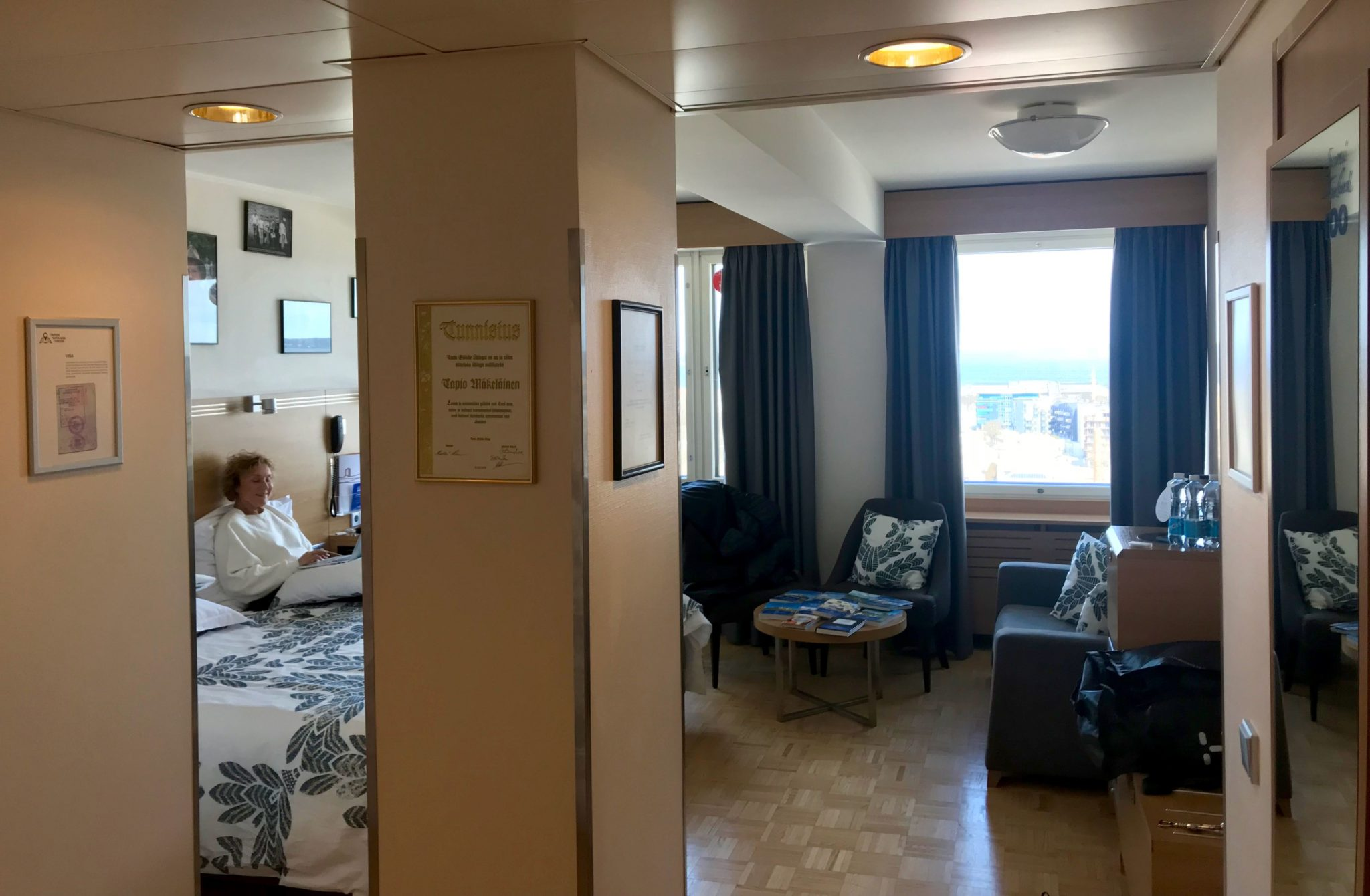 Suomi 100 hotellihuone