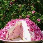 Ruusupommi - kesän suloisin jäätelökakku