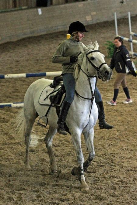 Ostaisitko sinä hevosen tältä naiselta? Kuva: Anna Aalto/Heasta