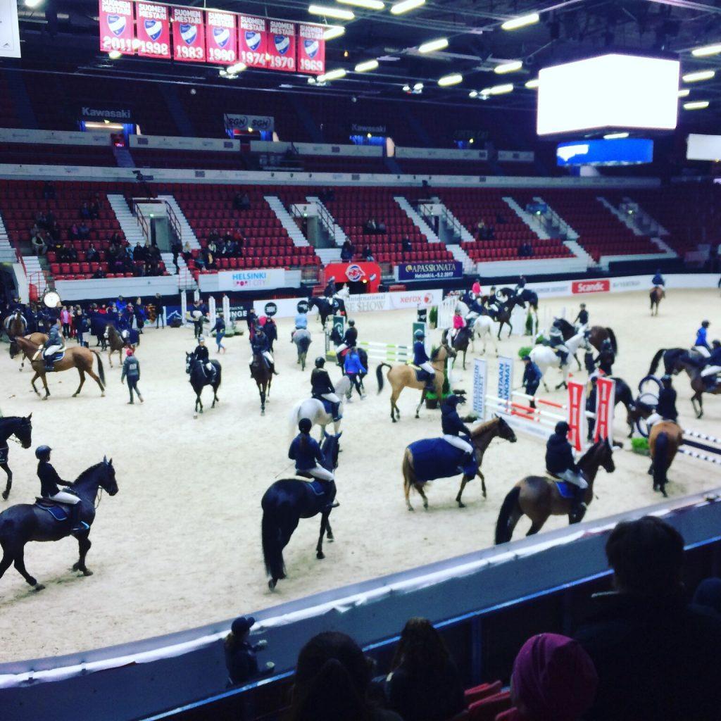 MITEN TÄMÄ HORSE SHOWKIN ON TÄLLÄ TAVALLA TEHTY?