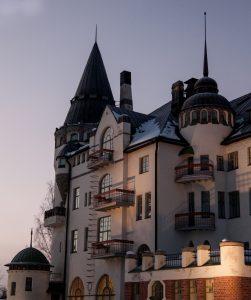 Imatran Valtionhotelli on ainutlaatuinen vierailu- ja yöpymiskohde.