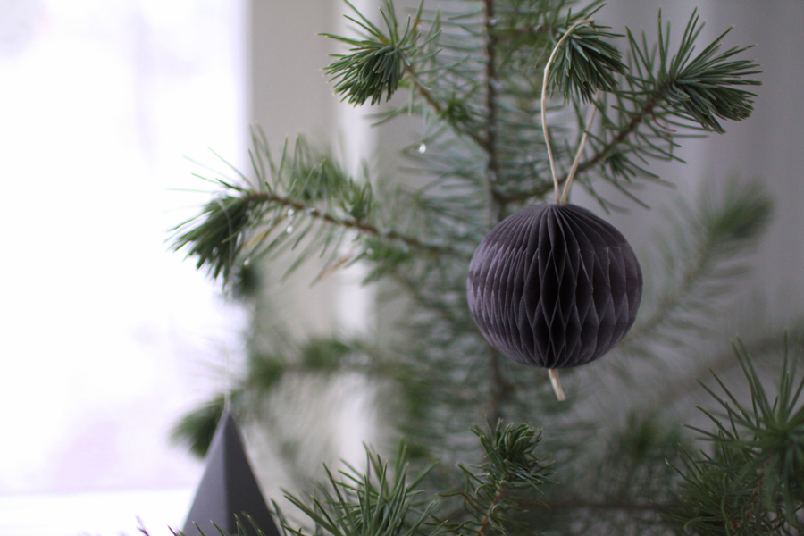joulukuusi ruukussa