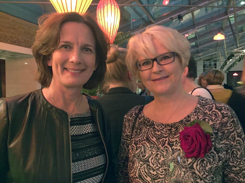 Barbara Sorsa kertoi järjestelevänsä Riki Sorsan muistokonserttia toukokuulle. Keskustelukumppanina Eevan toimituspäällikkö Sari Salonen.