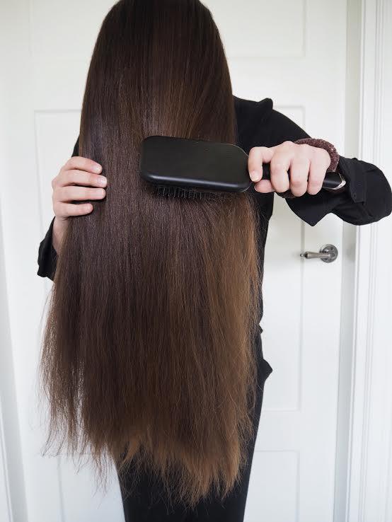 hiusten harjaus