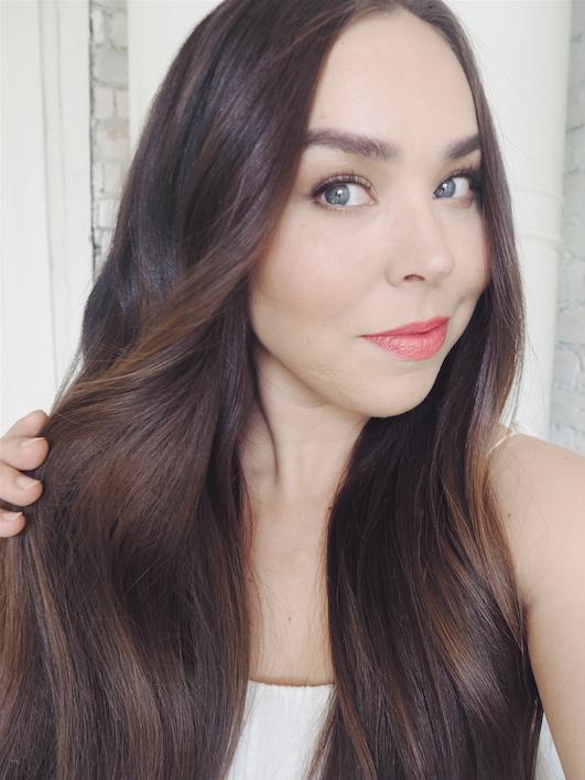 pitkien hiusten hoito